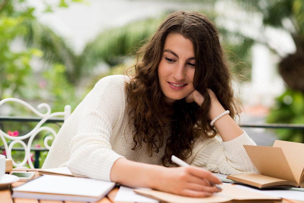 Membaca Karakter Lewat Tulisan Tangan, Efektif & Tak Bisa Bohong