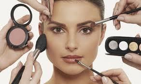 Bedak Padat Lokal Kualitas Mumpuni, Makeup Jadi Makin Flawless