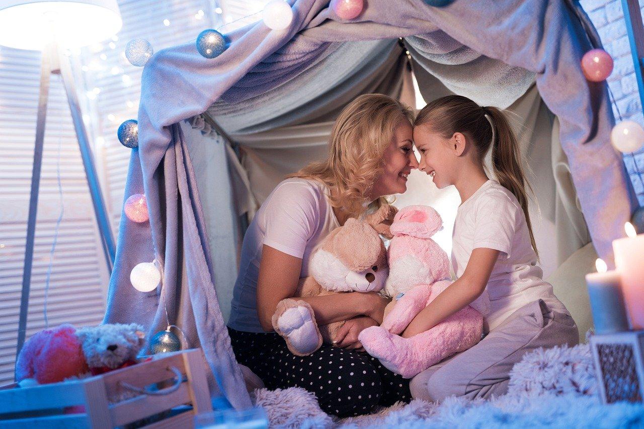 'Di Rumah Aja' Jadi Momen Kebersamaan Orang Tua dengan Anak. Foto: Pixabay