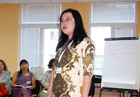 Dokter sekaligus farmakolog, dr Fenny, M. Si, Ph.D. Foto: Instagram @fenny.yunita_dr