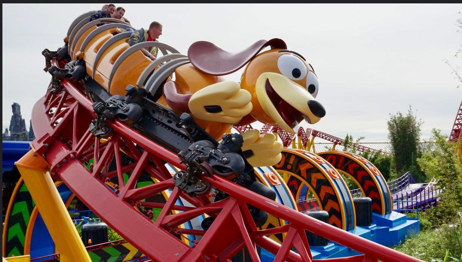 Efek Corona, Naik Roller Coaster Nggak Boleh Teriak