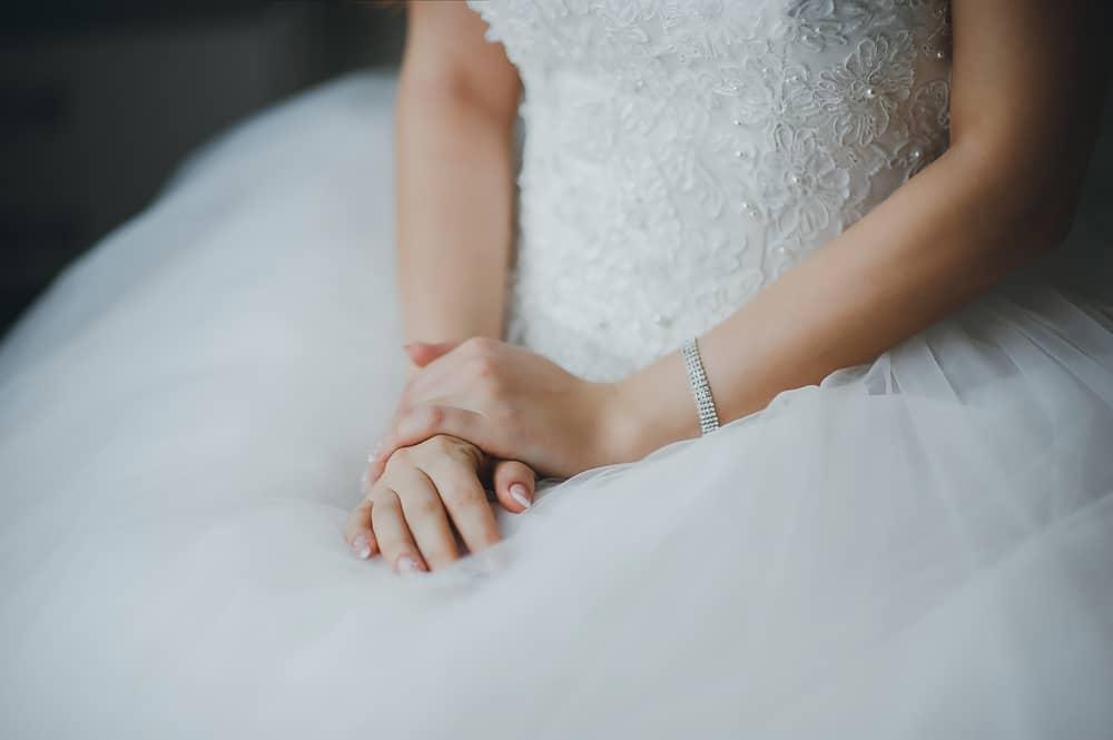 3 Tips Menurunkan Berat Badan Secara Sehat Menjelang Pernikahan. Foto: Hellosehat