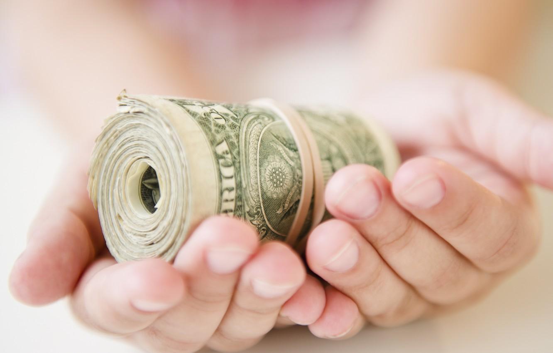 Raja Boros Sedunia, Uang Zodiaknya Sampai Keropos