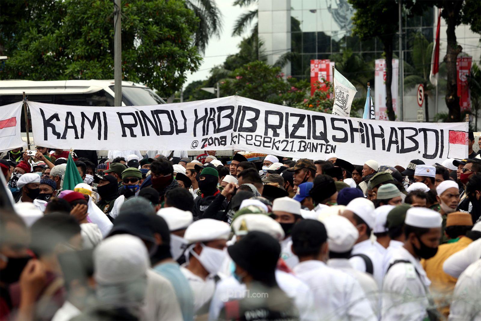 Pesantren Habib Rizieq Dipaksa Tutup, Pemerintah Makin Ngeri (Foto: jpnn/GenPI.co)