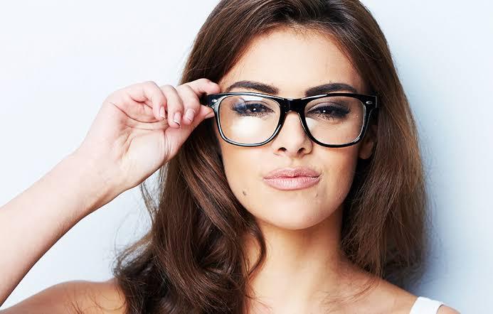 Ilustrasi cewek cerdas. Foto: Hammonds Eye Practice Optometrist