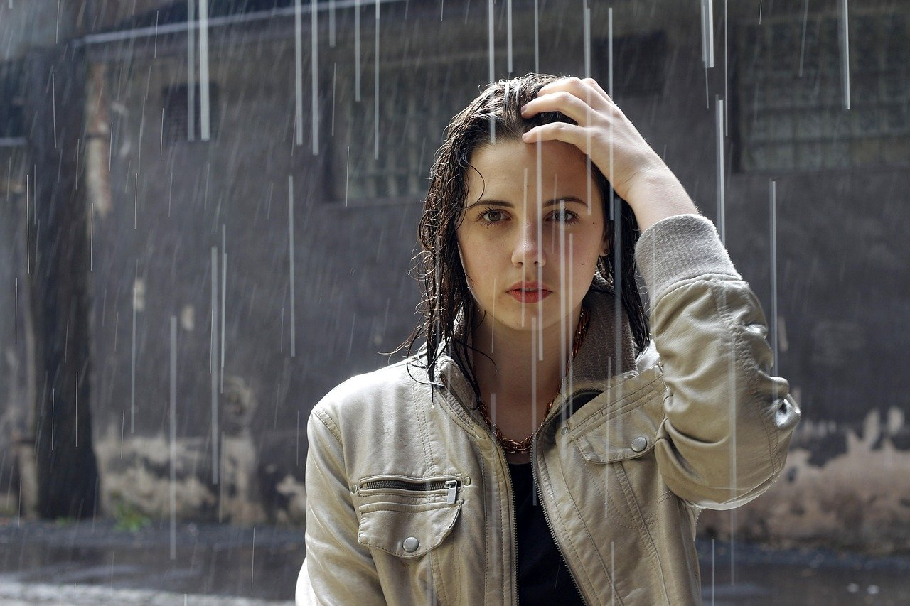 Benarkah Kehujanan Bikin Kepala Pusing? Foto: Pixabay