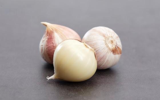 Makan 1 Siung Bawang Putih Ini Khasiatnya Sangat Ajaib (Foto: Freepik)