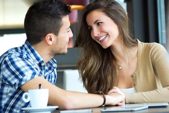 Lakukan 4 Hal Ini, Dijamin Suami Bakal Betah Di Rumah