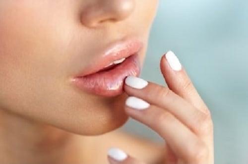 ilustrasi bibir lembut. (sumber: shutterstock)
