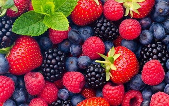Manfaat Buah Berry Ampuh Bikin Wanita Glowing