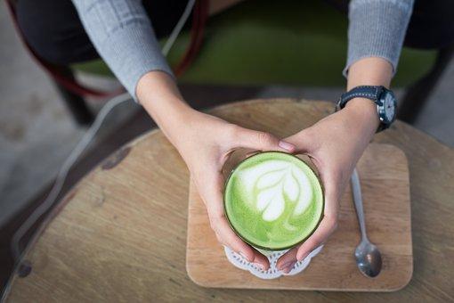 Minuman Kekinian, Dalgona Teh Hijau yang Bikin Asyik Seisi Rumah