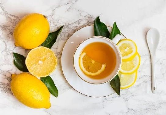 Rutin Minum Lemon Campur Madu di Pagi Hari Khasiatnya Dahsyat (Foto: Shutterstock)