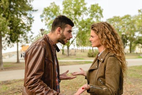 Ilustrasi pasangan sedang bertengkar. Foto: Pexels