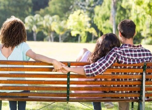Jangan Kecolongan, Ini 6 Tanda Pasangan Mulai Selingkuh...