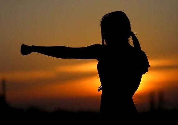 Idaman Pria, Ini 4 Cara Sederhana Menjadi Sosok Wanita Tangguh (Foto: pixabay)