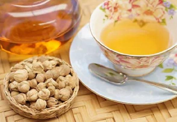 Rutin Minum Teh Tawar Hangat, Khasiatnya Bikin Melongo (Foto: Shutterstock)