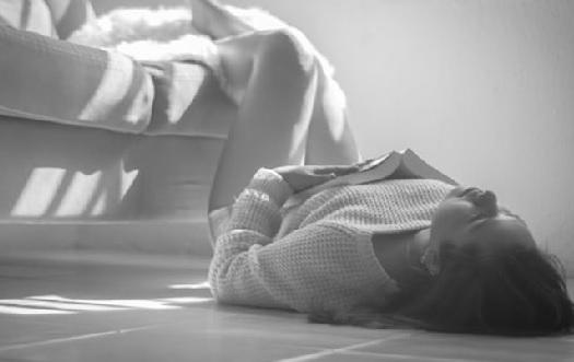 Awas! Ini Bahaya Sering Tidur di Lantai - ilustrasi (Foto: unsplash)