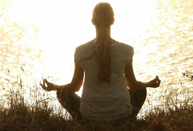 Manfaat Yoga Wajah Sungguh Luar Biasa, Ini Caranya - ilustrasi (Foto: Pixabay)