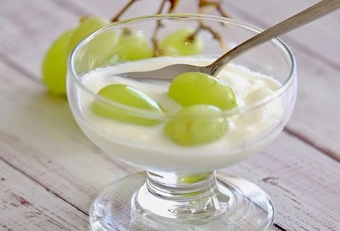 Khasiat Minum Yoghurt Setiap Pagi Ampuh Bikin Kolesterol Ambrol (Foto: Pixabay)