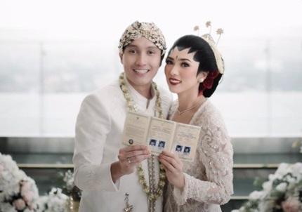 Isyana Sarasvati dan Suami, (Foto: Instagram/isyanasarasvati)