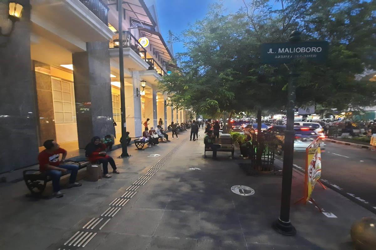 Suasana kawasan Jalan MalIoboro Kota Yogyakarta beberapa waktu lalu.(FOTO: Ridho Hidayat/GenPI.co)