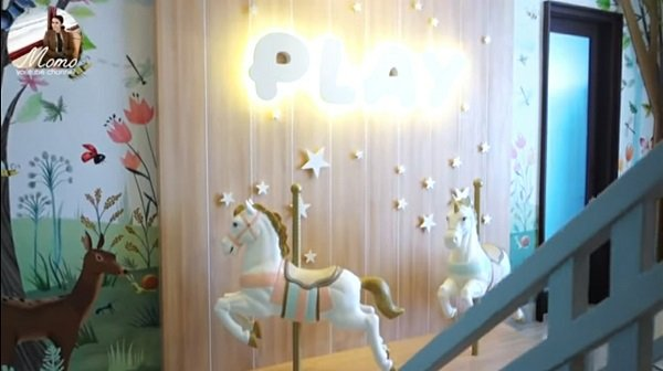 Intip Kamar Tidur Mewah Anak Momo Geisha, Ada Kuda Carousel