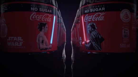 Gemas! Botol Coca-Cola ini Dihiasi Lightsaber yang Bisa Nyala