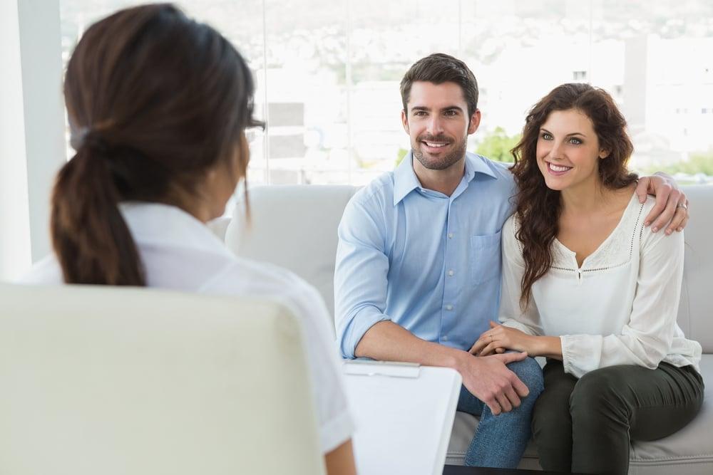 5 Manfaat Mengikuti Konseling Pernikahan bagi Calon Pengantin. Foto: Hellosehat