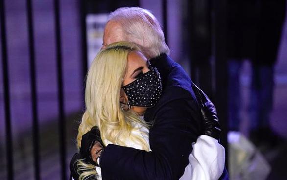 Lady Gaga bersama Presiden AS Terpilih Joe Biden. Foto: Instagram @ladygaga