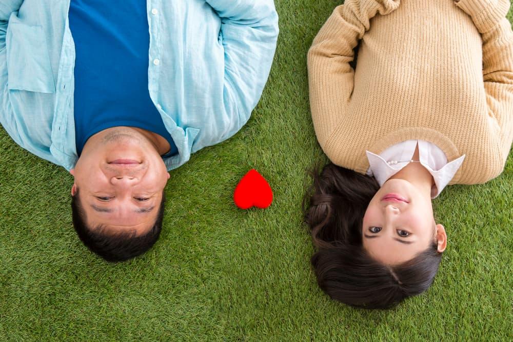 Membedah Tantangan dalam Pernikahan Beda Usia