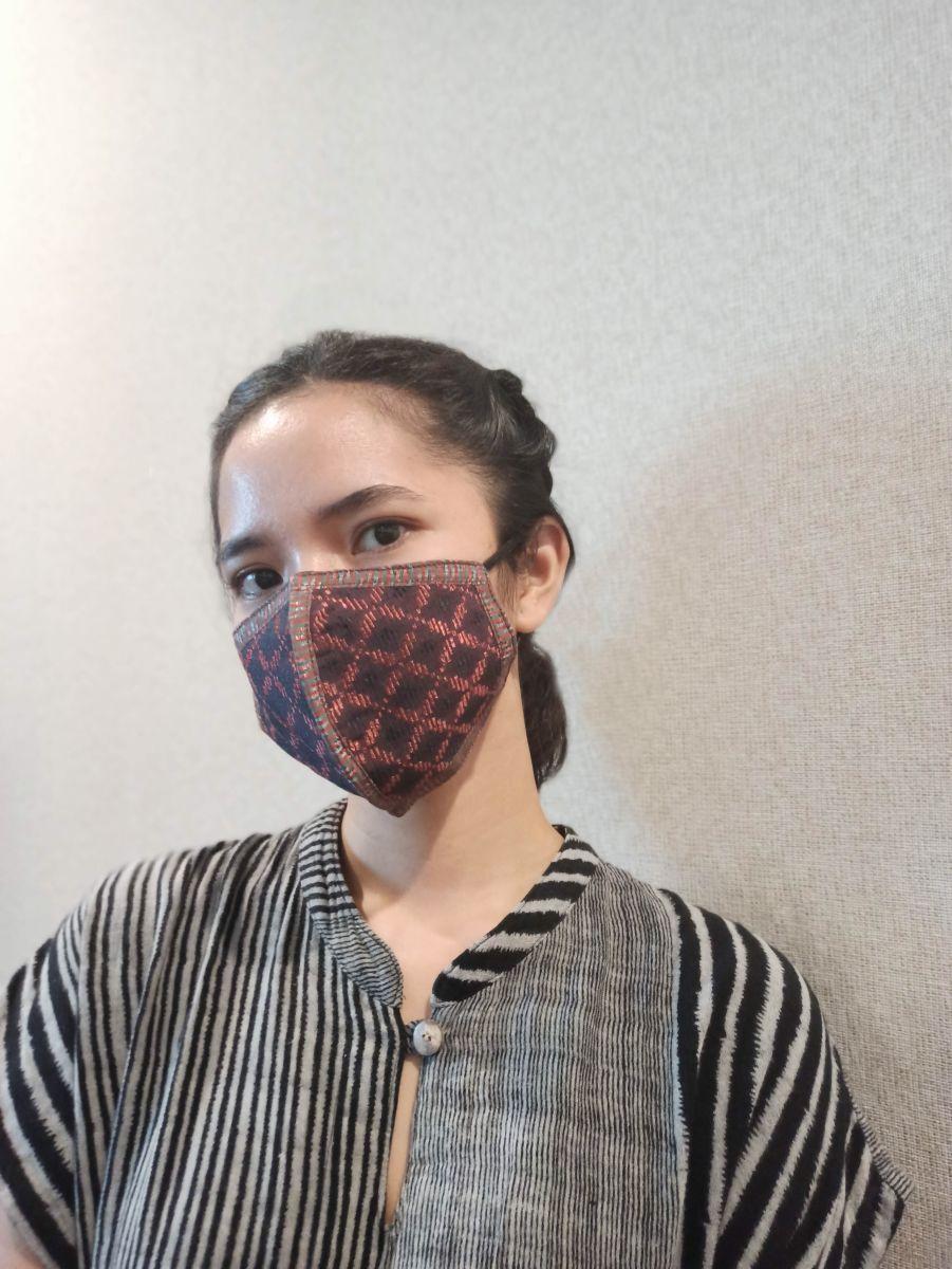 Mau Tampil Cantik Walau Pakai Masker? Simak Kiat Ini, Ladies!