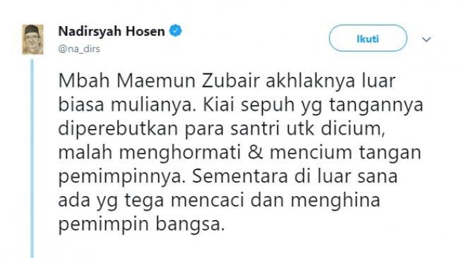 Momen Mbah Moen Cium Tangan ke Jokowi, Bukti Akhlaknya Tinggi