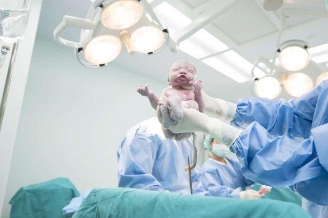 3 Persiapan Melahirkan di Rumah Sakit Saat Pandemi Covid-19
