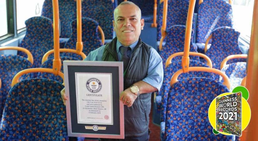 Frank Faeek Hachem pria asal Hampshire, Inggris, memecahkan rekor dunia. Foto: guinessworldrecords.com