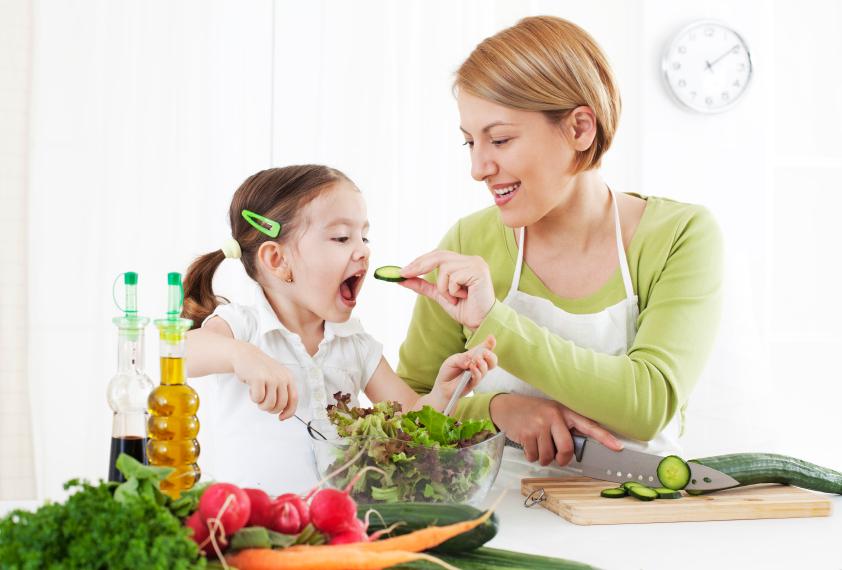 Tularkan 4 Kebiasaan Makan Sehat untuk si Kecil, Dijamin Lahap!
