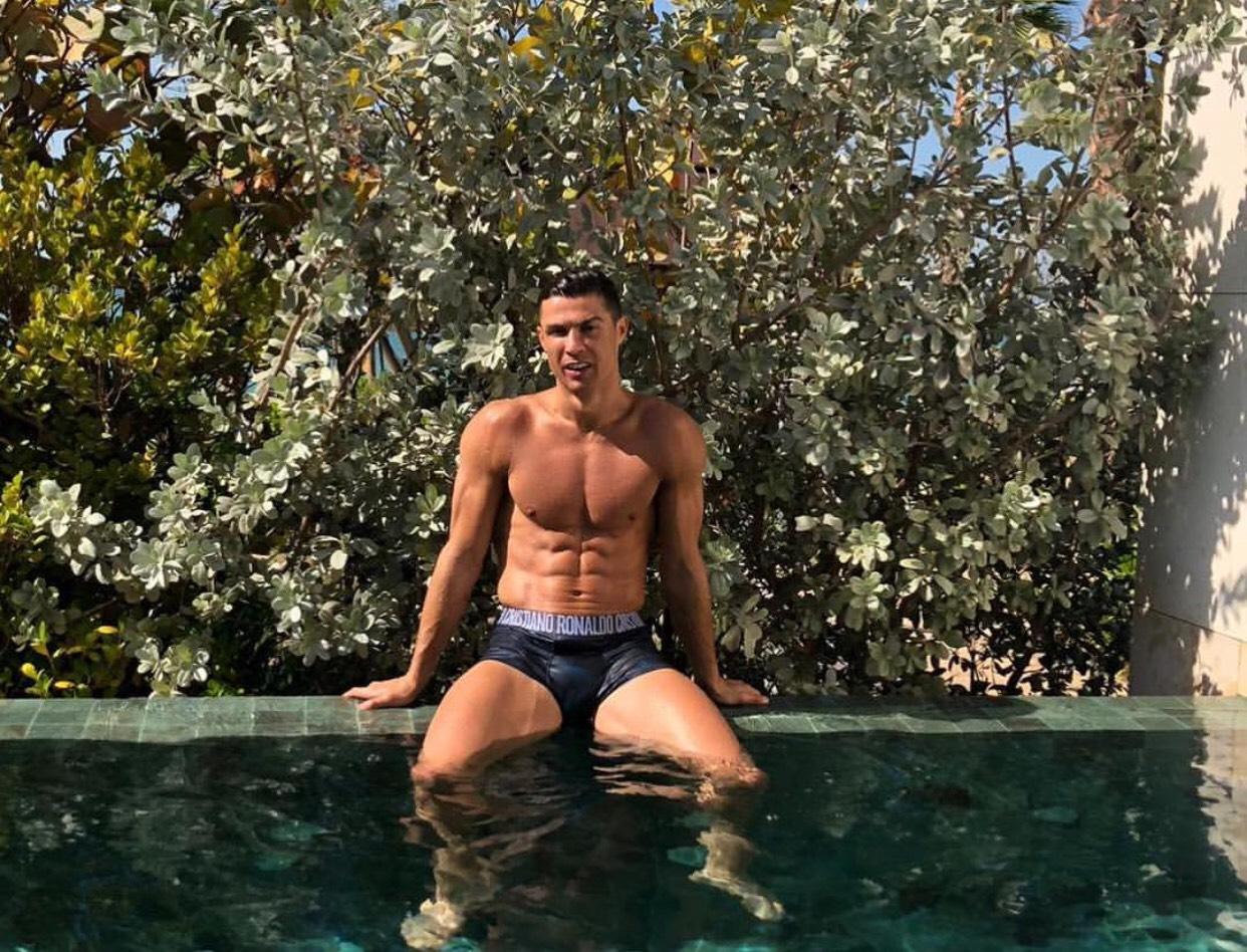 Tips Badan Atletis Ala Cristiano Ronaldo, Dijamin Wanita Lemas. Foto: Instagram