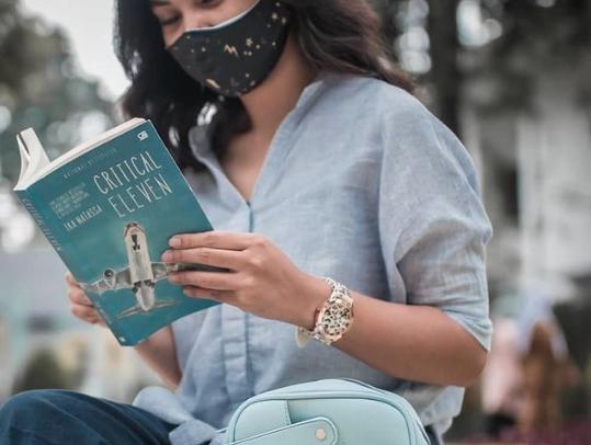Novel Critical Eleven : 11 Menit Paling Kritis di Dalam Pesawat, foto : Instagram/Ika Natassa