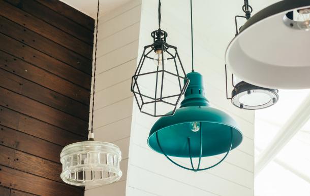 3 Model Lampu Ini Bisa Jadi Inspirasi Dekorasi Ruangan, foto : Freepik
