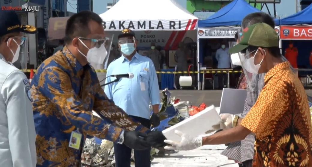 Sriwijaya Air Serahkan Bantuan Rp 1,5 Miliar ke Ahli Waris SJ-182
