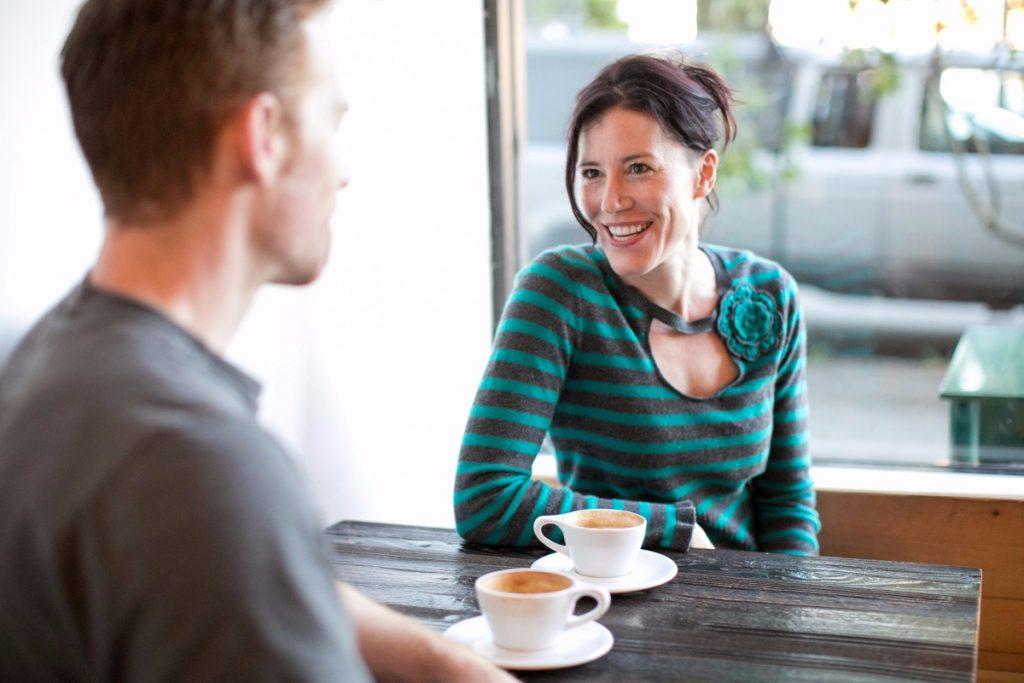 4 Cara Simpel Menyenangkan Hati Si Doi, Nomor 1 So Sweet!