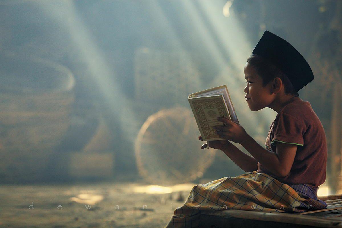 Ilsutrasi anak laki-laki mengaji. Foto: Pinterest