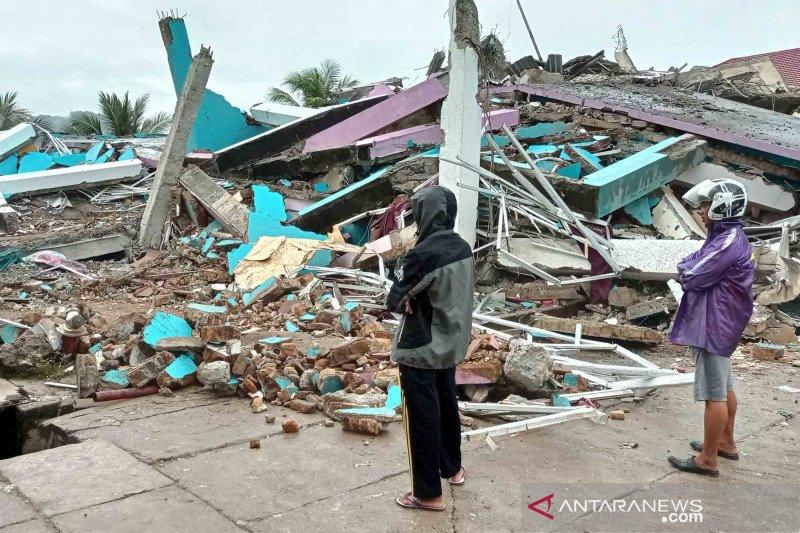 BNPB Serahkan Bantuan Rp 4 Miliar untuk Gempa Bumi Sulbar
