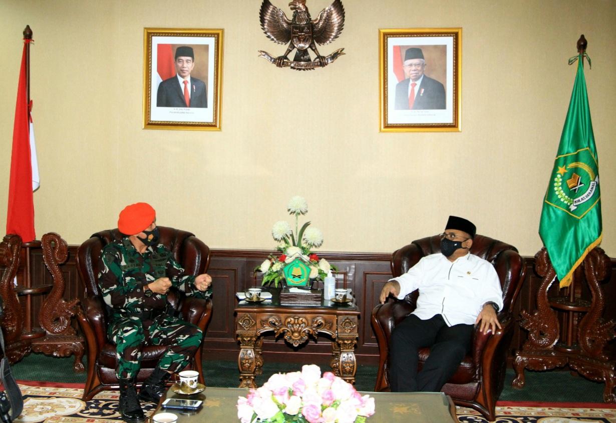 Gandeng TNI, Menag Yaqut Sikat Kelompok yang Benturkan Pancasila dan Agama Foto: Dok Kemenag