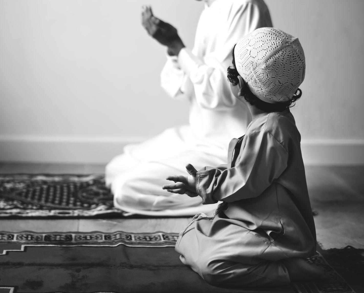 Ilustrasi anak saleh. Foto: Freepik