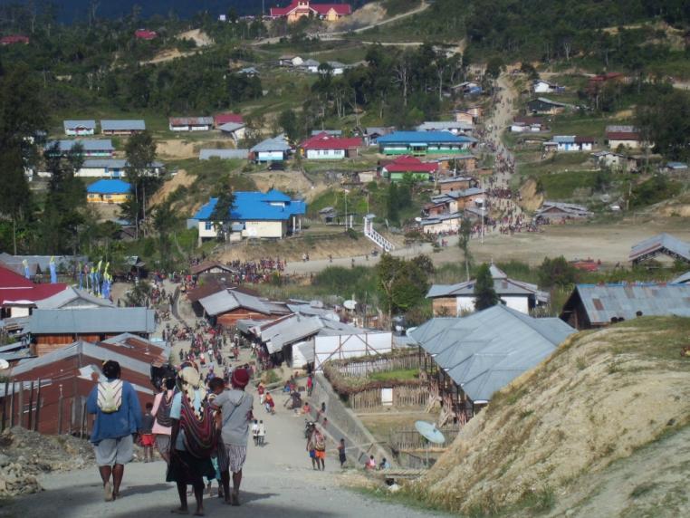 Jamin Intan Jaya Aman, Polri Gerakkan Polmas Papua