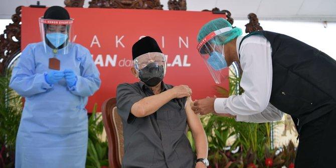 Wapres Ma'ruf Amin terima vaksin. Foto: Doc Biro Setpres