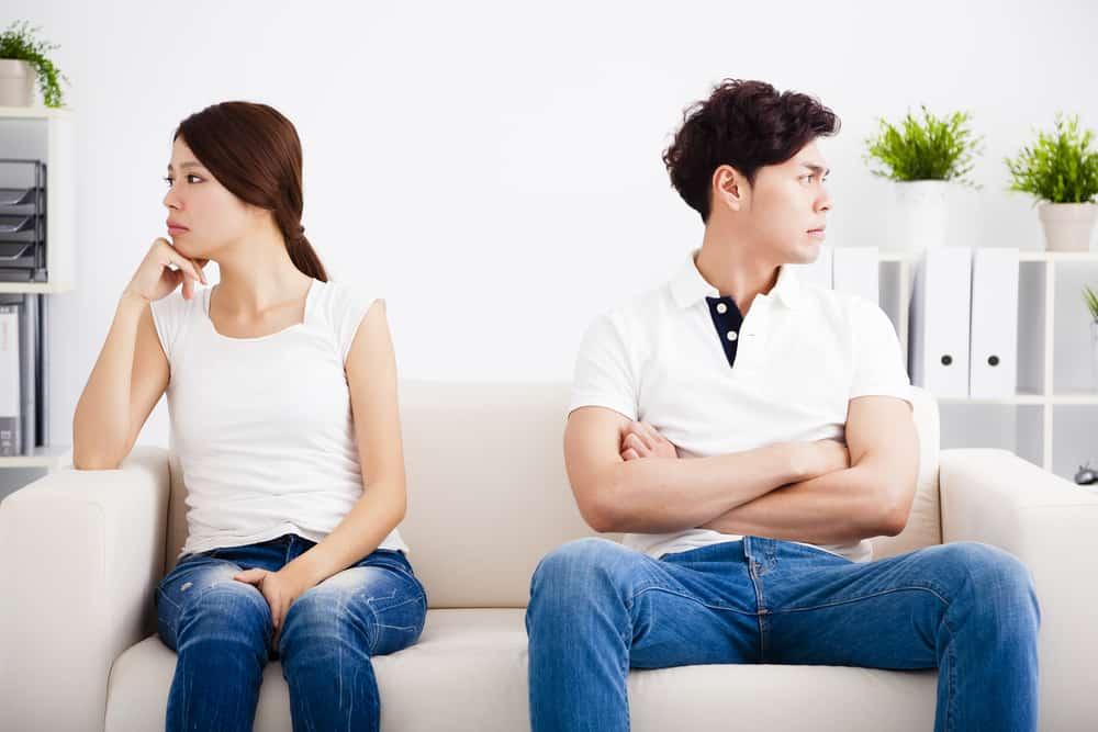 3 Cara Jitu Menghadapi Pasangan Ngambek