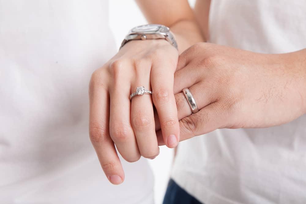 Pentingnya Dua Tahun Pertama Pernikahan Jadi Fondasi Rumah Tangga
