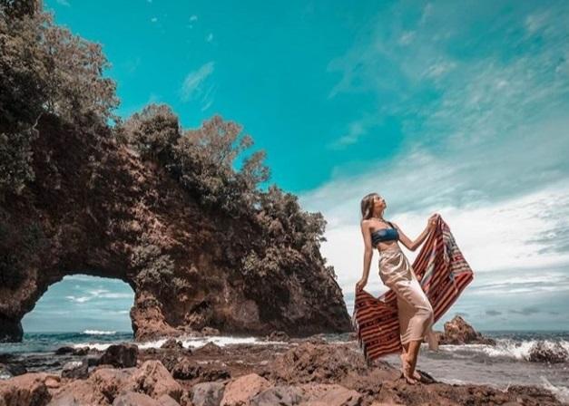 3 Destinasi Wisata Pantai di Maluku, Bagai Surga Alam - ilustrasi (Foto: Instagram @gempollpleret)