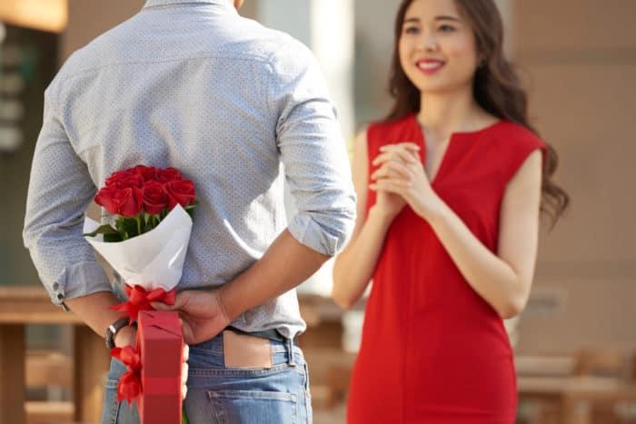 Pentingnya Merayakan Anniversary dalam Sebuah Hubungan. Foto: Hellosehat
